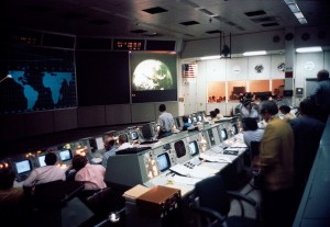 Apollo_16,_Mission_Control_-_Flickr_-_NASA_on_The_Commons